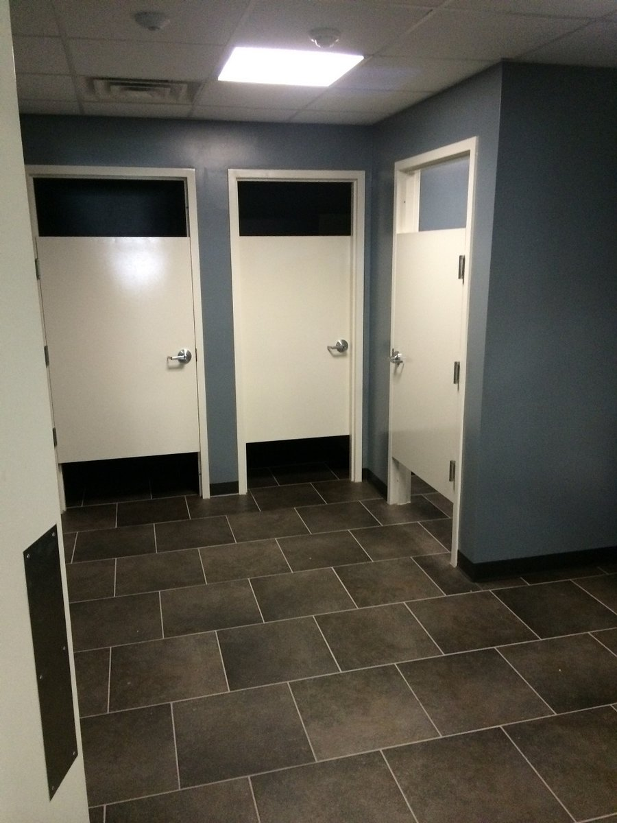 Mens Shower Room